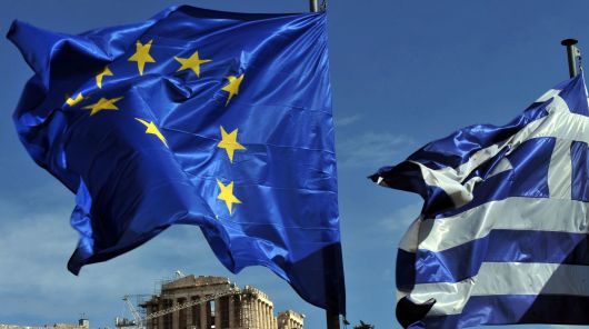 la-commission-europeenne-travaille-a-garder-la-grece-fermement-dans-la-zone-euro-affirme-une-de-ses-porte-parole-alors-qu-un-scrutin-presidentiel-menace-de-faire-derailler-les-efforts-de-reformes-du-pays-et-