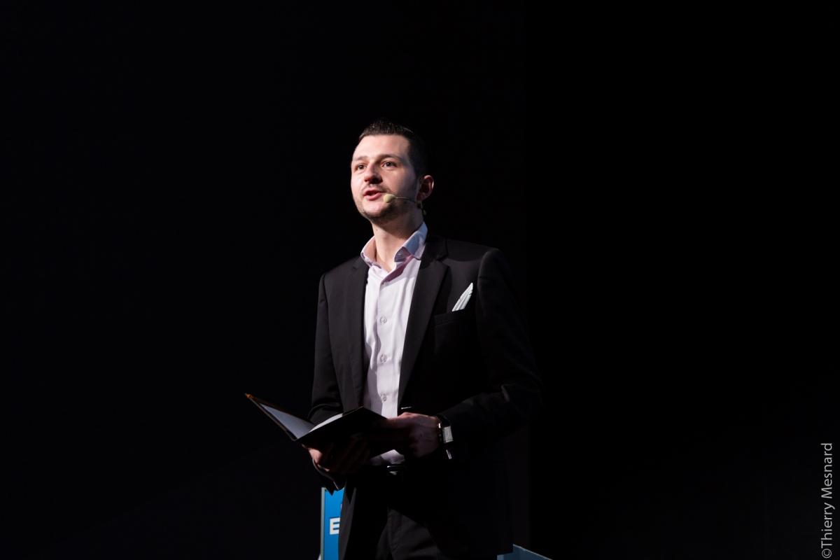 Maitre de Cérémonie Poétique : Hommage aux Entrepreneurs
