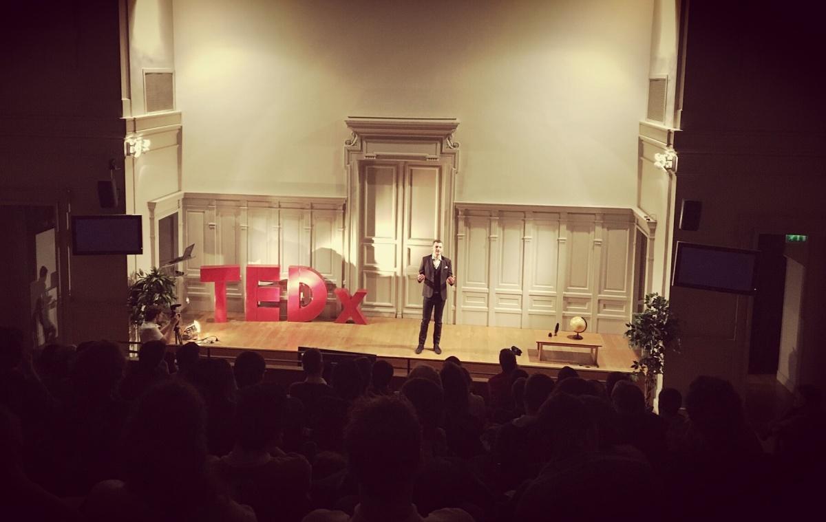TEDx Vincent Avanzi : L'avenir de l'Humanité sera-t-il poétique (Cap sur l'Harmonie)